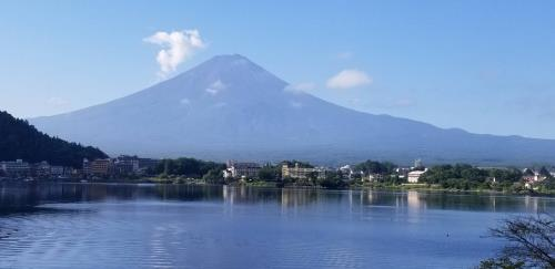 河口湖からの富士山①