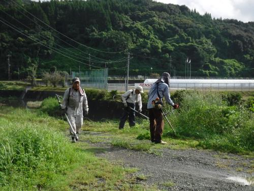 R1.9.8河川清掃2