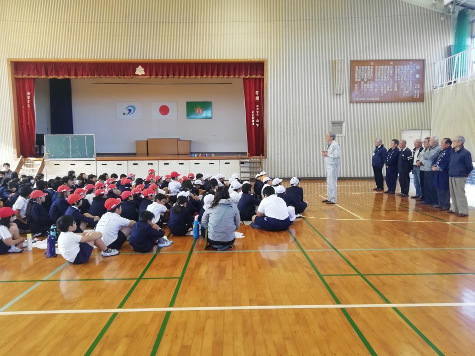 本渡北小学校 凧作り実習1